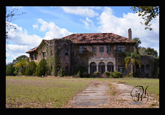 Howey Mansion Non HDR (Mike Woodfin) Tags: house abandoned canon photography photo nikon fuji florida picture photograph fl mansion deserted decrepid howey howeyinthehills mikewoofin