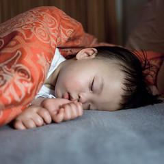 IMG_0879 (RanRan42) Tags: china baby portraits canon square asian eos kid child sleep 5d 40mm f28