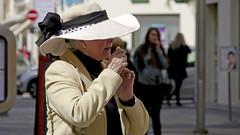 Lady in hat in Nice, France  10/4 2013. (photoola) Tags: street france nice frankreich francia フランス 555 frankrike francja ranska франция photoola