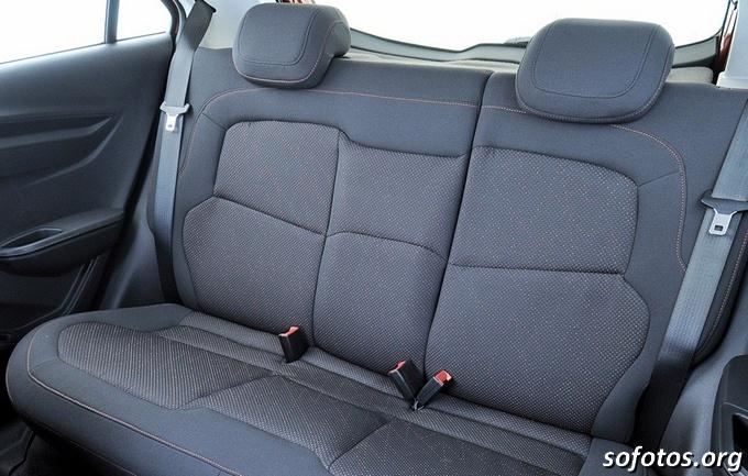 Chevrolet Onix bancos traseiros
