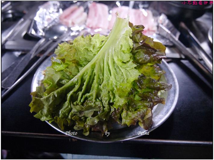 0406新村 延大烤肉吃到飽 烤豬皮 (21).JPG