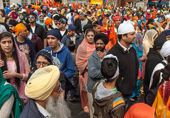 Some of the thousands of Sikh people who joined the 2013 Nagar Kirtan procession during the Vaisakhi festival in Southampton (Anguskirk) Tags: uk england color colour festival hampshire procession sikh gurdwara southampton spectators turbans saris vaisakhi nagarkirtan