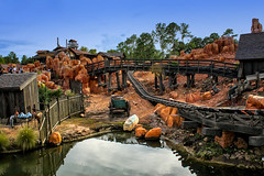 Big Thunder Mountain Railroad (Gary Burke.) Tags: travel vacation west canon eos rebel orlando rocks ride florida stones rocky disneyworld western amusementpark rollercoaster fl wdw dslr waltdisneyworld themepark magickingdom frontier attraction bigthundermountain frontierland bigthundermountainrailroad garyburke btmrr klingon65 t1i canoneosrebelt1i