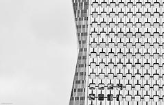 Paris La Defense b&w (rainerneumann831) Tags: paris blackwhite architektur gebude ladfense
