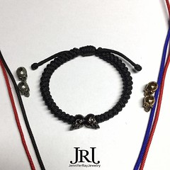 Which Harley Quinn inspired bracelet? Red/Black with Silver Skulls or Red/Blue with Gold Skulls? One is based off the comic book and the other from Suicide Squad. Vote below  #jenniferrayjewelry #jrj #harley (JenniferRay.com) Tags: instagram carbon fiber jewelry exclusive jrj jennifer ray paracord custom
