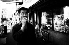 R0019834 (s|VILE|n) Tags: blackandwhite streetphotography ricohgr philadelphia noiretblanc