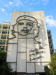 Revolution Square Cuba, Che Guevara Mural (shaire productions) Tags: cuba cuban image picture photo photograph photography travel world traveler building urban cityscape revolutionsquare havana street road che cheguevara mural art metal wire streets architecture