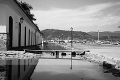 DSC_1695 ( Ixio) Tags: paraty brasile brazil black blackandwhite blackwhitephotos white bianco biancoenero bw reflections reflection sea