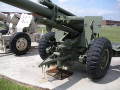 "US 155mm M1A1 Howitzer 2 • <a style=""font-size:0.8em;"" href=""http://www.flickr.com/photos/81723459@N04/29148808305/"" target=""_blank"">View on Flickr</a>"