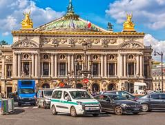 Palais Garnier (Sorin Popovich) Tags: opragarnier opra palaisgarnier opradeparis secondempire beauxarts placedelopra paris architecture operahouse faade buildingexterior cars landmark france iledefrance europe