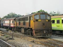 4001 BKK (Barang Shkoot) Tags: bangkok gek narrowgauge generalelectric srt hualamphong diesellocomotive shovelnose rotfai doyen yardgoat metregauge vacuumonly asia2013