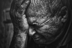 time. (sommerpfuetze) Tags: portrait people bw man male face mono gesicht hand skin time grandfather oldman rudi mann opa haut linien schwarzweis oldface menschliches lebenssinn lebenslinien