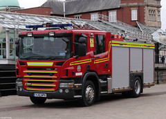 Humberside Fire & Rescue Service Scania P280 Water Tender Ladder H08P1 (PFB-999) Tags: rescue water truck fire princess engine quay pump leds service ladder hull tender appliance scania grilles lightbar humberside wrt wrl wrtl fendoffs hfrs p280 yj12apx h08p1
