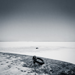- oO - (F.R.J. photography) Tags: winter sky bw white snow black europe noir day view sweden hiver north freezing nb jour ciel neige et blanc vue nord glacial gel glac sude scandinavie