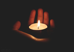 Leading Light (Jerainne) Tags: light dark licht hand candlelight dunkel teelicht wegweiser leadinglight deepmeaning canoneos600d