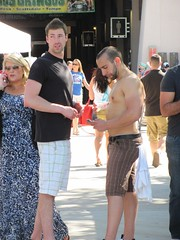 IMG_2515 (CAHairyBear) Tags: shirtless man men uomo mann hombre manner homme hom