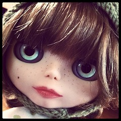 Bobs, bangs and freckles, my true Blythe weaknesses.