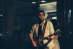 rodrigo lemos (lemoskine) (Breno Galtier) Tags: cidade canon banda 50mm lights concert guitar live mais da singer bonita shows f18 rodrigo lemos lemoskine brenogaltier lastfm:event=3544280