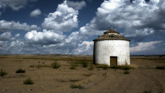 Un palomar (Jos M Sancho) Tags: espaa architecture rural photoshop lumix spain arquitectura europa europe edificio pueblo panasonic palomar hdr castilla sancho dovecote palencia castillalen espanya tierradecampos afotando fz38 pedrazadecampos