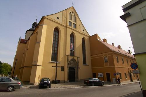 Kościół Najświętszego Zbawiciela Świata i MB Szkaplerzowej w Strzegomiu od zachodu
