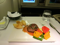 Turkish Airlines (LAXFlyer) Tags: food dinner inflight cabin main class course business meal service airlines premium turkish onboard turk thy businessclass hava maincourse yollari turkishairlines turkhavayollari