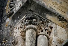 2008-08-24 Civray église Saint-Nicolas, Vienne, Poitou Charentes, France 207 (ellapronkraft.) Tags: civrayéglisesaintnicolas vienne poitoucharentes france entrance artromanesque artroman middleages moyenage pillar grandghoul pillareater