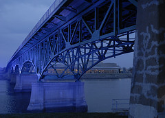 2013-04-09_20-49-45 (joannapoe) Tags: bridge iowa ia cityofbridges ottumwa