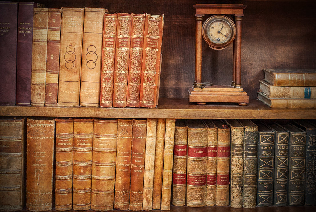 Vintage Bookshelf (Peter Bros Nissen) Tags: old texture photoshop canon  vintage book watch