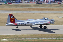 EAA Boeing B-17G Aluminum Overcast (Lockheed Built) (PhantomPhan1974 Photography) Tags: wwii b17 boeing bomber lockheed zam eaa torrance torr b17g torranceairport