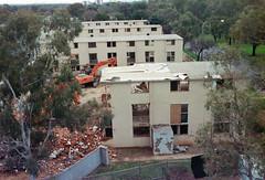 Frame 13-3.jpg (njcull) Tags: 35mm 400 504410 c41 canberra canoneos33 ef28105mmf3545usm film focal focal400 owenflats lyneham australiancapitalterritory australia demolition