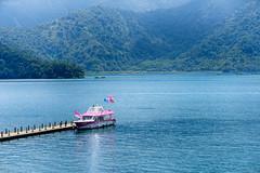(M.K. Design) Tags: 2016 taiwan nantou yuchi sunmoonlake sunfog boat lake water mountains morning travel nikon d800e nature landscapes scenery hdr tele primelans nikkor afs 105mmf14e ed green blue mkdesign                     mk