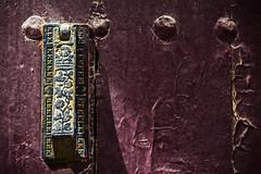 An old knocker in an old door (Ignacio M. Jimnez) Tags: knocker aldaba puerta door ubeda jaen andalucia andalusia espaa spain ignaciomjimnez