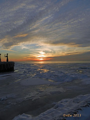 world's end (batty9a) Tags: sunset ice nikon lakeerie coolpixp500