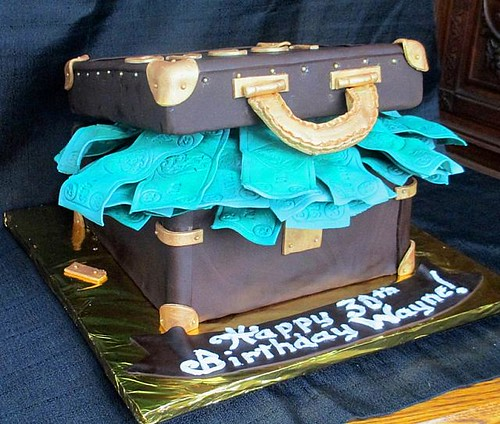 Suitcase Full Of Money Gucci Theme Fondant Cake Side View
