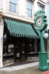 M.A. Selbert Jeweler - Frankfort, KY (SeeMidTN.com (aka Brent)) Tags: clock sign neon kentucky ky frankfort jeweler jewelrystore selbert bmok maselbert bmokneon