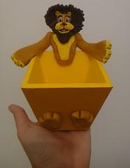 Porta Guloseima Alex, o leão! (Ateliê Cláudia Freitas (antigo Biscuit by Taudia) Tags: alex gloria biscuit marty madagascar pinguim melman lembrancinha lembrancinhas porcelanafria