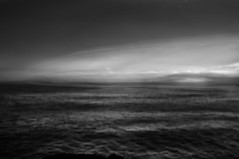 ... il tempo si è consumato ... (UBU ♛) Tags: blancoynegro water blackwhite noiretblanc blues biancoenero oceano blupolvere bluacqua ©ubu unamusicaintesta landscapeinblues luciombreepiccolicristalli