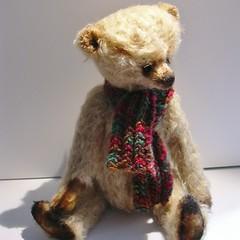 Mekare Bears Tobias (mekare_nl) Tags: bear beer yellow golden artist teddy mohair teddybear teddybeer artistbear mekare mekarebears