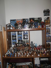 star wars (legos) & halo & vivisect playset (mikaplexus) Tags: art film toy toys starwars war films space alien halo xbox aliens lucas collection soldiers reach collectible megabloks collectibles collecting masterchief georgelucas arttoys lfl lucasfilms i3toys odst halo4 mikaplexus i3starwars xbox250