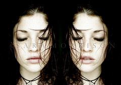 Dead Flowers (Sara_Morrison) Tags: black face death morte freckles viso wethair deadflowers twinsisters closemouth fiorimorti capellibagnati boccachiusa saramorrison sorellegemelle