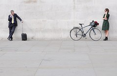 Can We Talk ? [Explored #97] (jaykay72) Tags: street uk london candid streetphotography trafalgarsquare londonist stphotographia