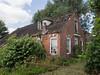 Vervallen boerderijtje aan de Aduarderdiepsterweg (Jeroen Hillenga) Tags: netherlands decay nederland groningen hoogkerk vervallen boerderijtje aduarderdiepsterweg