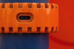 orange-blue composition (maotaola) Tags: flickrfriday gear orangebluecomposition engranaje wow