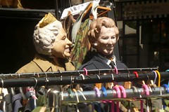 Elisabeth & Margaret (mistigree) Tags: londres portobello portobellomarket nottinghill angleterre march elisabethii reine margaretthatcher