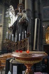 The Holy Statue (UnsignedZero) Tags: antwerp architecture art artmuseum belgium in indoor indoors inside item object