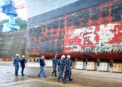 160816-N-XF387-176 (CTF 76) Tags: ussblueridge usnavy yokosuka ctf76 admiral srf edsra shiptour japan