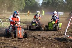 IMG_9473 (Wallus2010) Tags: rasenmherrennen2016 grosmoor motorsport rennen hbschemdchen boxenluder eos500d tamron18200vc lawnmower racing lawnmowerracing germany outdoor moorbockcross 2016 moorbockrennen