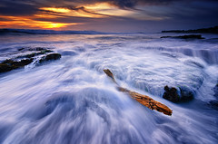 Nirwana Senja [Explored] (eggysayoga) Tags: wood sunset sea bali sun seascape motion beach water rock indonesia landscape log nikon day lima cloudy hard wave tokina filter lee nd graduated waterscape gnd canggu 1116mm d7000