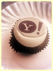The lonely Y! cupcake (teemus) Tags: yahoo uploaded:by=flickrmobile flickriosapp:filter=aardvark aardvarkfilter
