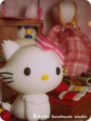 Hello Kitty { sakura doll-house (charles fukuyama) Tags: wood cute cat miniature handmade hellokitty decoration kitty sakura artdoll lovely dollhouse sculpted headdress claydoll kikuike
